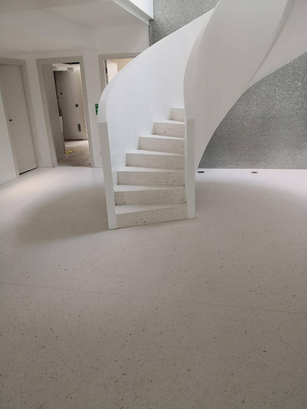 Sol Terrazzo Coulé Prix poseur et fournisseur de terrazzo /granito à base de marbre